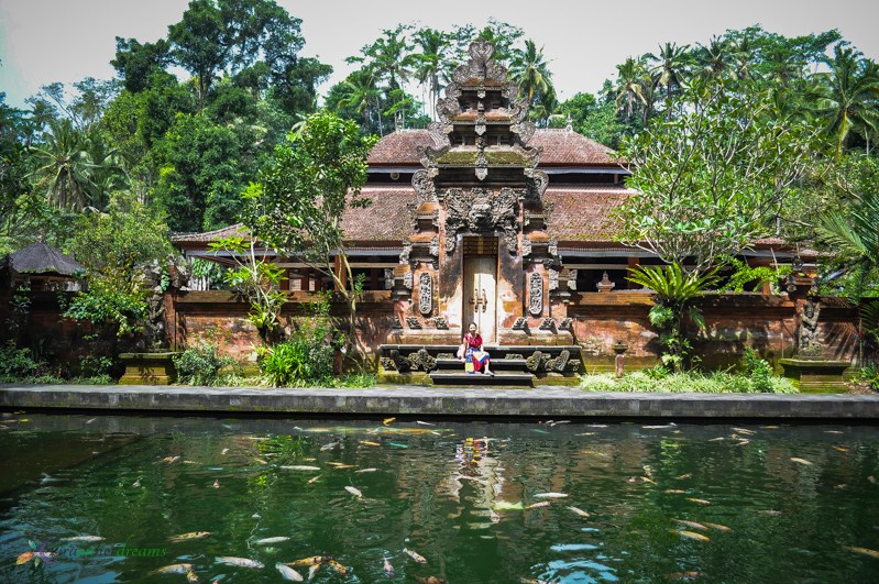 Day 2 in Bali: Tirta Empul Temple & Rattan Bags Everywhere!